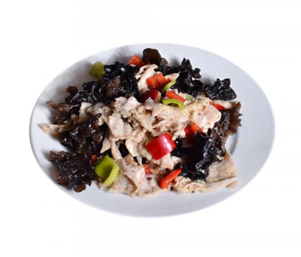 Հավ շամպինյոնով և ծովային սև սնկով սպիտակ գինու մեջ Պեկին Ռեստորան