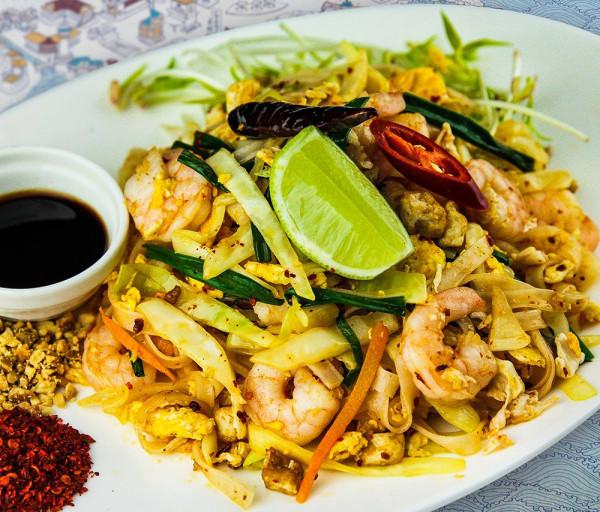 Փադ Թայ ծովախեցգետնով Thaiwine Republic