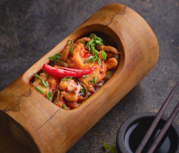 Հավ բամբուկի մեջ Չայխոնա