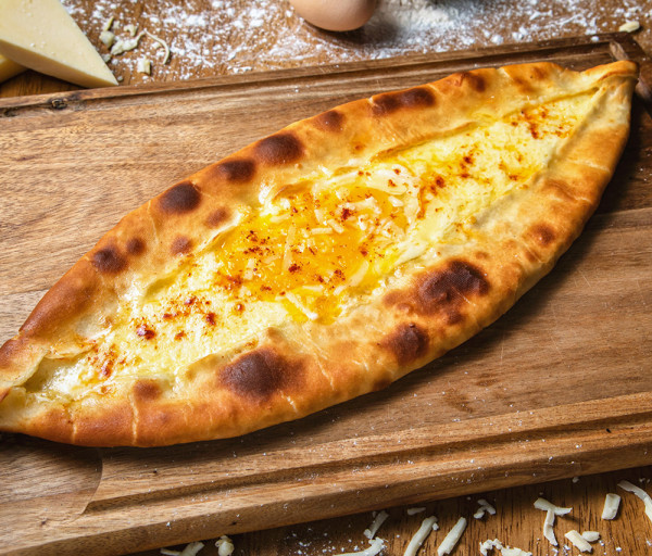 Աջարական խաչապուրի (2 ձու) Զանազան Ռեստորան