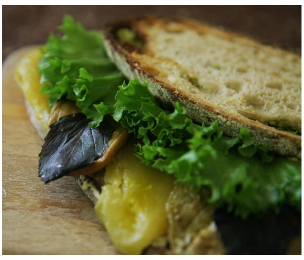Էսքուլապ սենդվիչ Crumbs