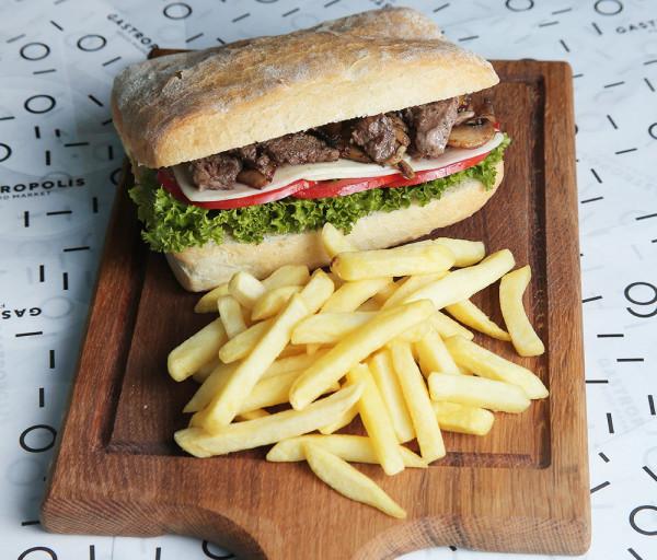 Սթեյք սենդվիչ հորթի մսով Գաստրոպոլիս Ֆուդ Մարկետ