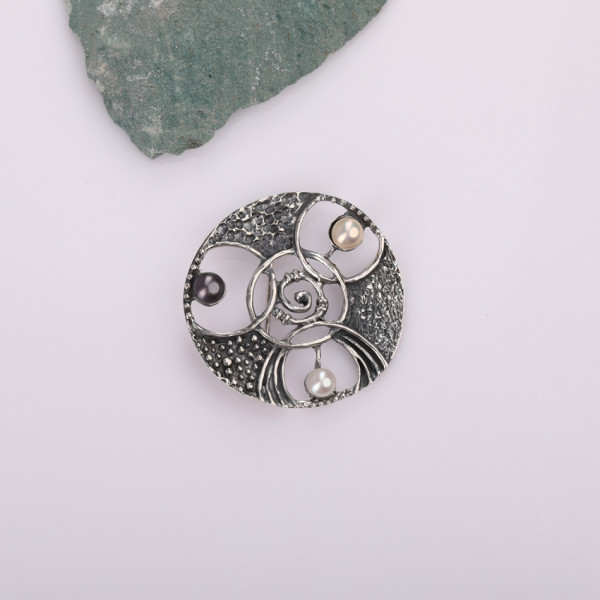 Silver brooch for women White and Black Kara Silver