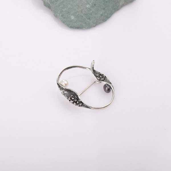 Silver brooch for women Mary Pickford Kara Silver