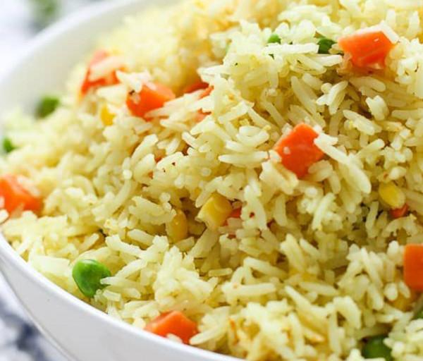 Բանջարեղենով բրինձ Կառմա Հնդկական Ռեստորան