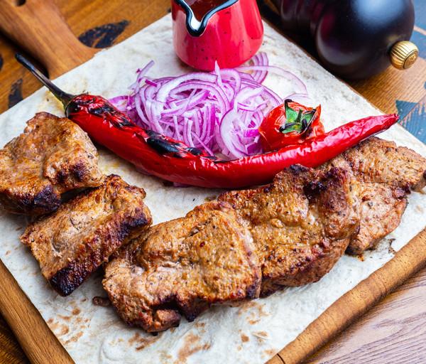 Հորթի խորոված ֆիլե հատուկ սոուսով Յասաման ռեստորան