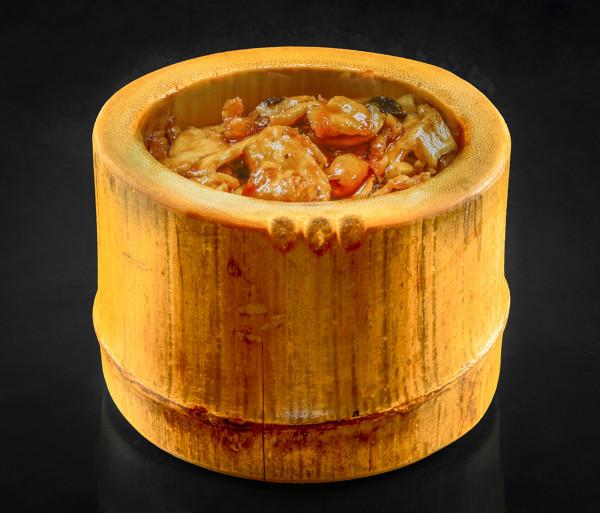 Հավ շամպինիոնով բամբուկի մեջ Նյու Տաո