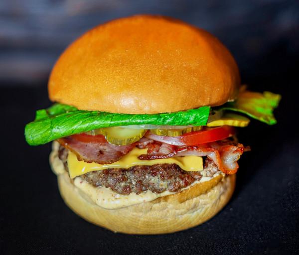 Բուրգեր «Angus - Bacon & Cheddar Cheese» (փոքր) Black Angus