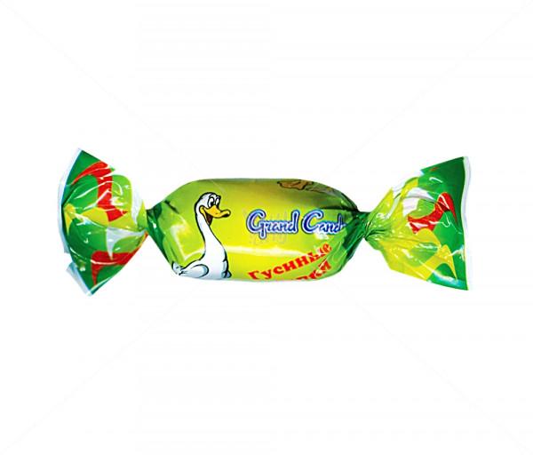 Ընկուզային միջուկով կարամել «Սագի տոտիկներ» Grand Candy