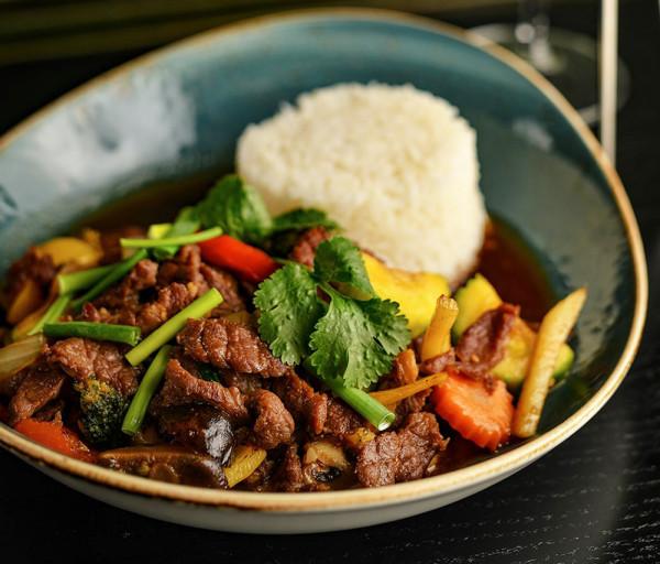 Տավարի միս ոստրեի սոուսով Thaiwine Republic