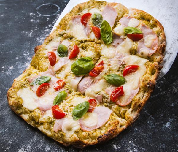 Պիցցա Պեստոյով և խոզապուխտով (միջին) 12 Կտոր Պիցցա