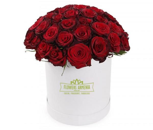 Ծաղկետուփ «Յուրահատուկ կարմիր» Flowers Armenia