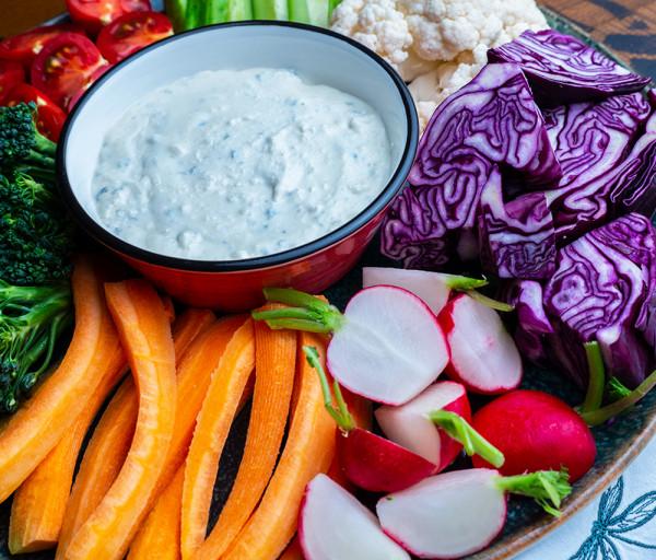 Թարմ բանջարեղեններ հատուկ սոուսով Յասաման ռեստորան