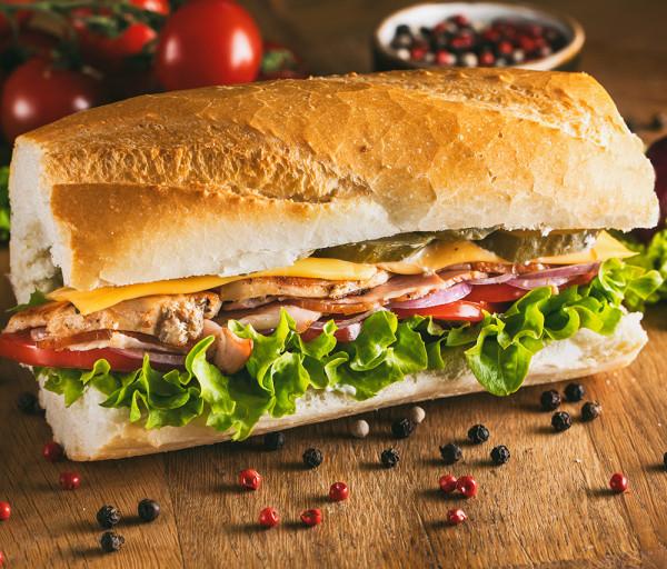 Հավի կրծքամսով և բեկոնով սենդվիչ 15սմ 12 Կտոր Պիցցա