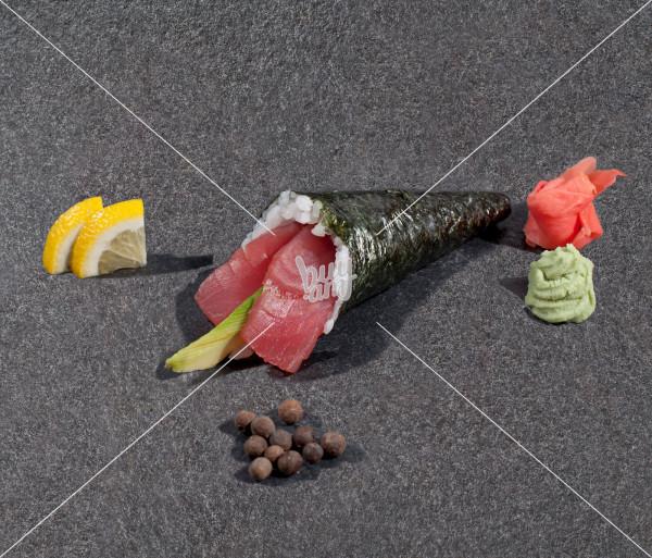 Թունա ավոկադո AKO Sushi