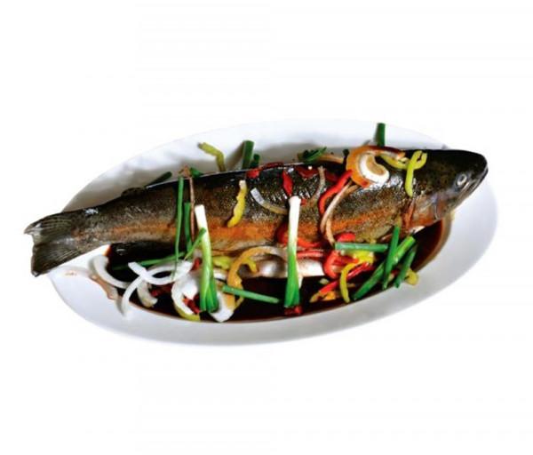 Շոգեխաշված ձուկ բանջարեղենով կծու սոուսում Պեկին Ռեստորան