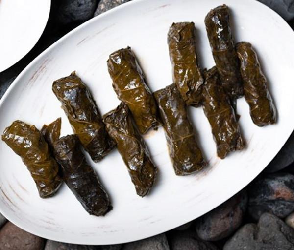 Թփով տոլմա Նուբարա Ռեստորան
